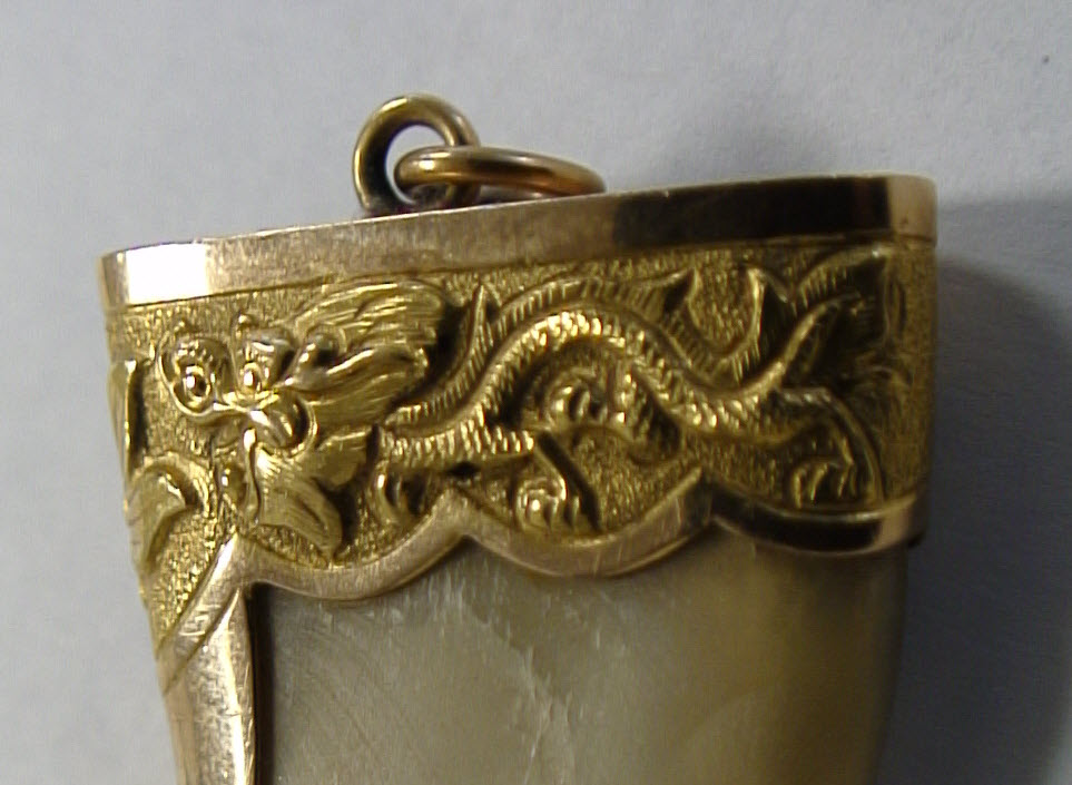 victorian gold tiger claw pendant